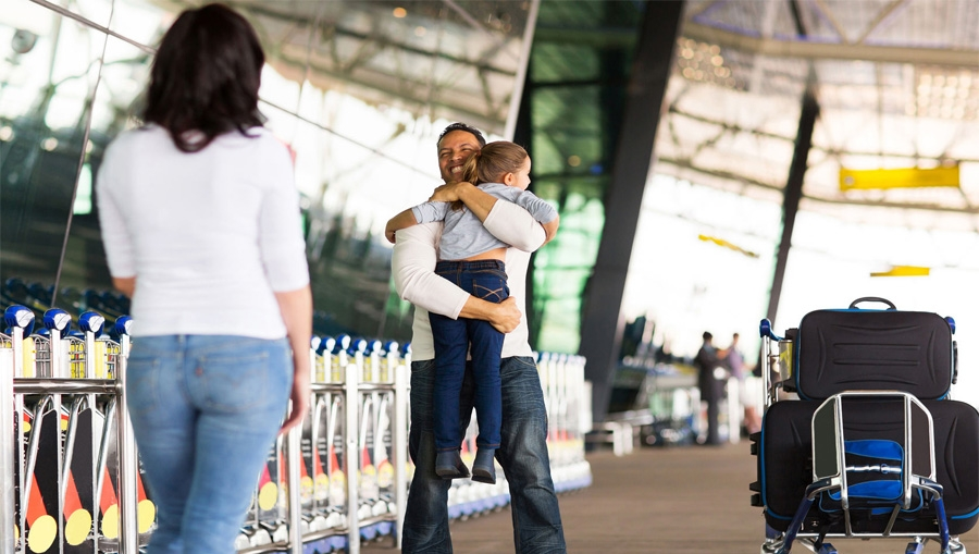 meet at airport, airport people, airport assistance, airport people, dubai airport